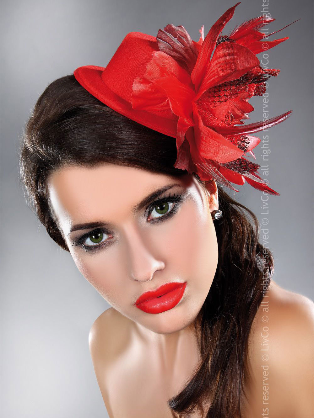 LivCo Palarie Mini top hat model 23 Rosu